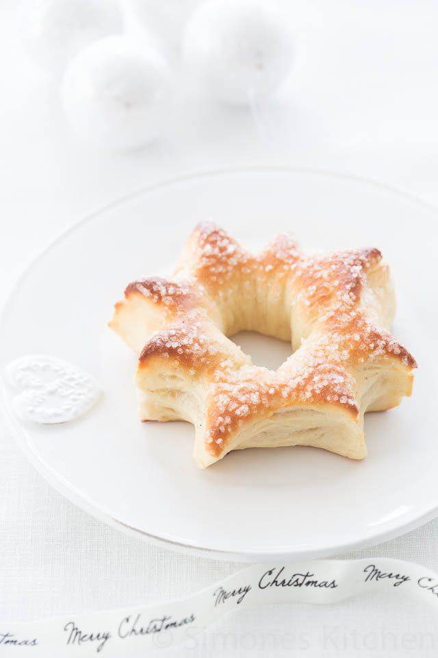 Christmas star bread with honey and anise