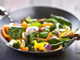 Wok de verduras asiáticas
