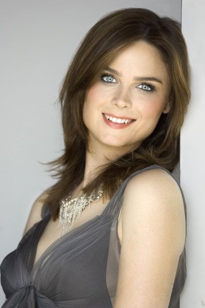 Google Image Result for http://images.fanpop.com/images/image_uploads/Emily-emily-deschanel-641217_400_600.jpg
