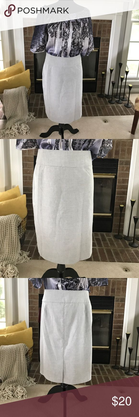 Gray pencil skirt NWT. Gray pencil skirt size 18 zips on side small slit in back Skirts Pencil