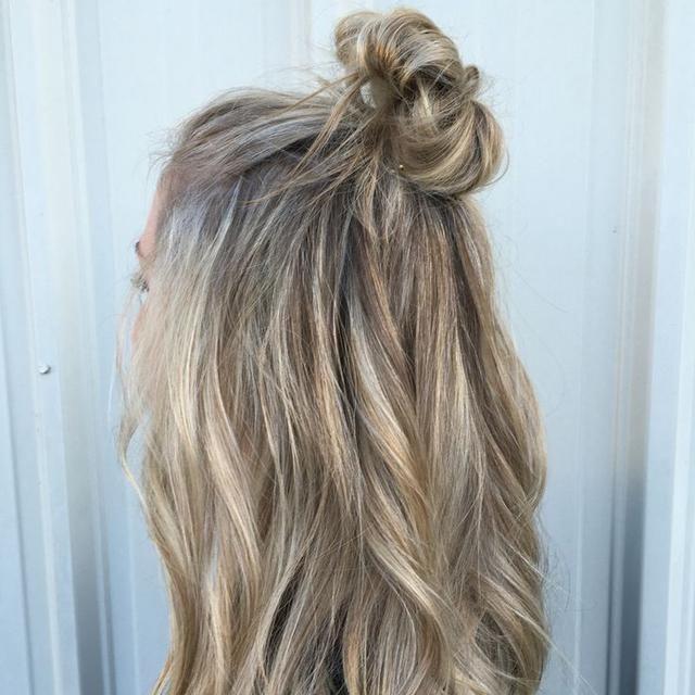 Hair Inspiration: 10 ιδέες για εύκολα καθημερινά χτενίσματα ? ομορφια › μαλλιά || ELLE