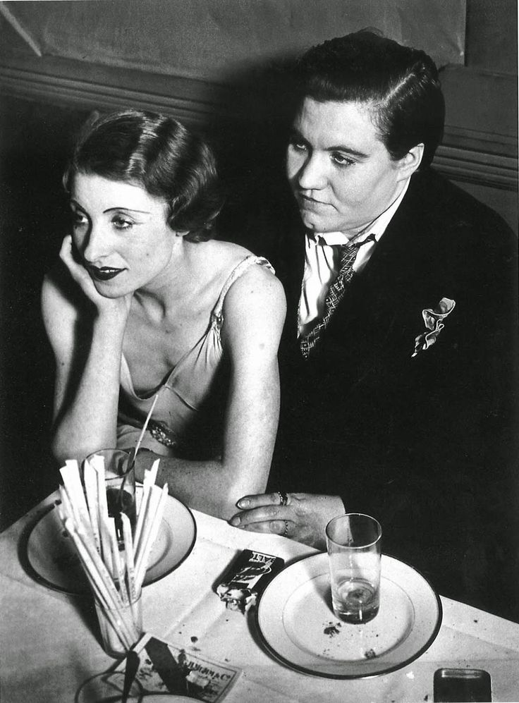 Brassaï, Lesbian couple at Le Monocle, Paris, 1932.