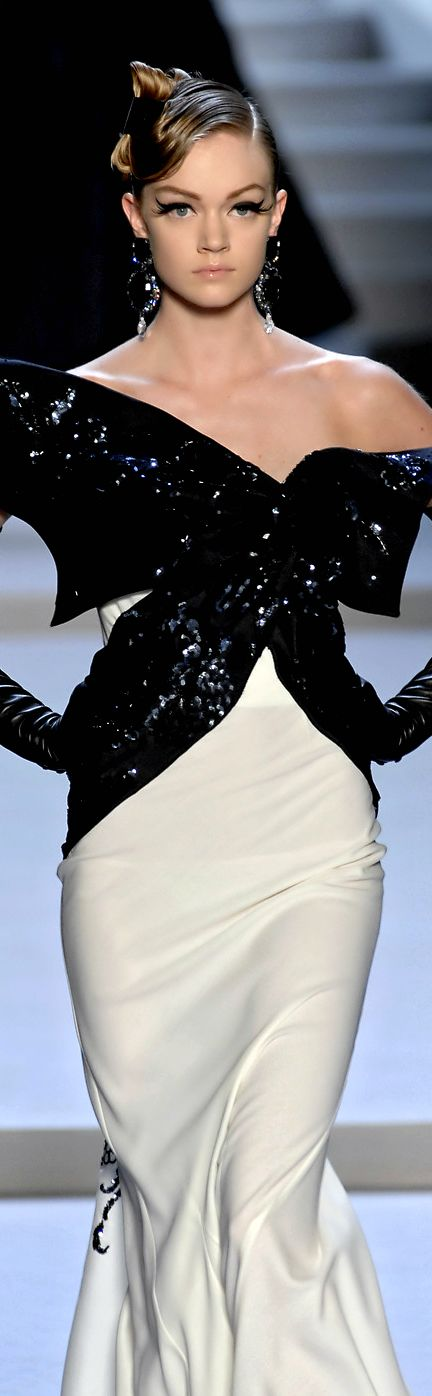 Christian Dior - Fantastic style, and a brilliant statement of classic black & white. http://www.theimagearchitect.com More