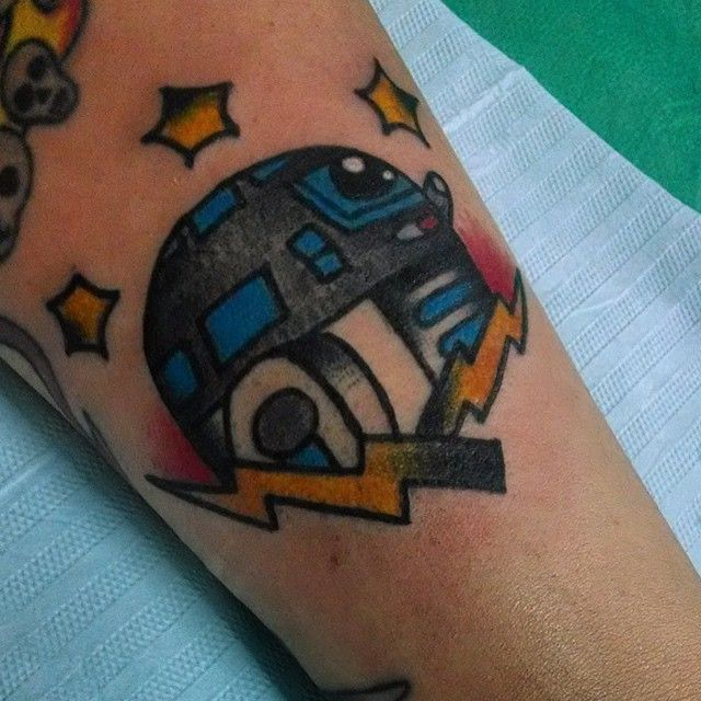 Rad little R2 unit done by @ohjessica_o!  Want to be featured? Give us a shout, tag #inkedstarwars or send us a DM! Thanks for looking!  #StarWarsInk #StarWarsTattoo #StarWarsTattoos #StarWars #StarWarsArt #BoysWithTattoos #GirlsWithTattoos #Tattoo #Tattoos #DarthVader #Rebel #LukeSkywalker #BobaFett #StormTrooper #Jedi #Sith #LightSaber #TattooArtist #SupportYourLocalTattooArtist #Follow #FollowForFollow #FollowMe #F4F