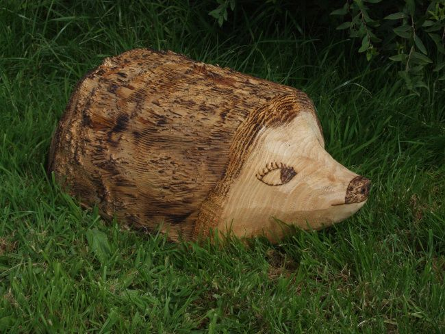 Garden Sculpture : Wooden Animals : Ornamental Hedgehog