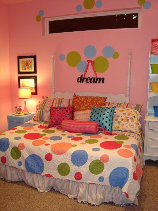 Polka dot bedroom this 8 year old girls bedroom is bright for Girls bedroom paint ideas polka dots
