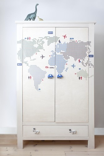 Use wall stickers for an easy transformation to a boring cabinet, great for kids room | children by  jongens kast @llwdesign