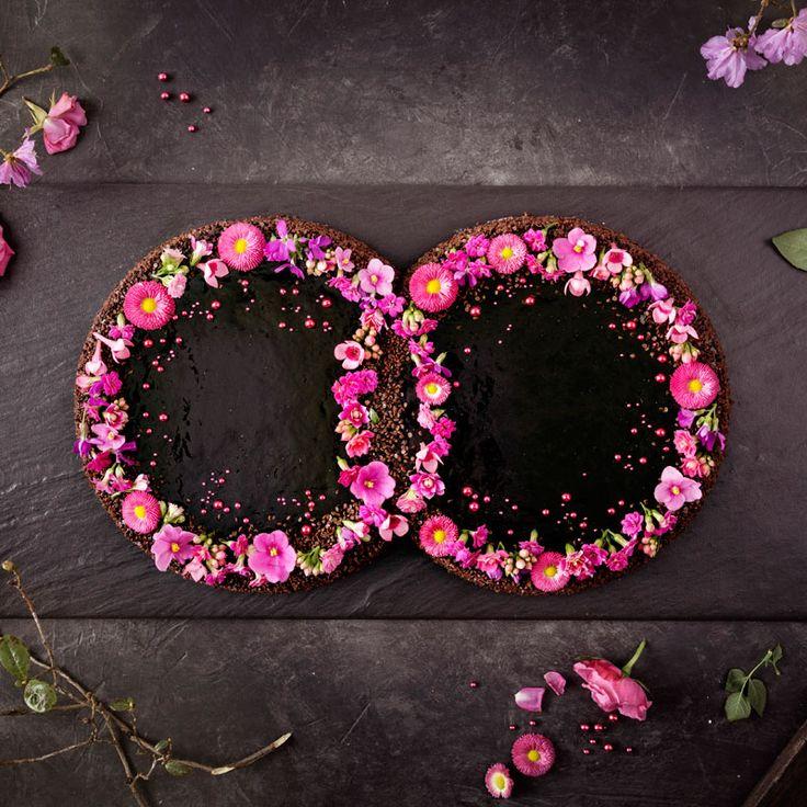 Hochzeitstorte Mousse au Chocolat in Ringform. Basierend auf einem Coppenrath & Wies …   – Besondere Torten für besondere Anlässe