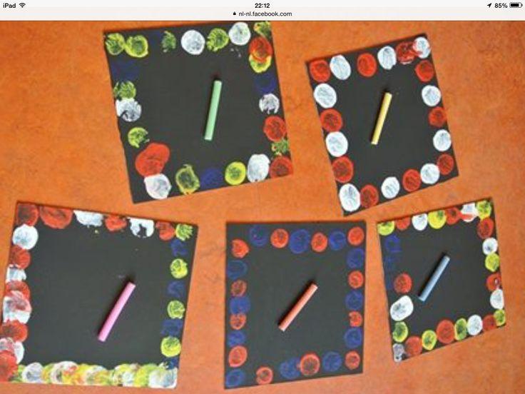 Dik karton met schoolbordverf beschilderen