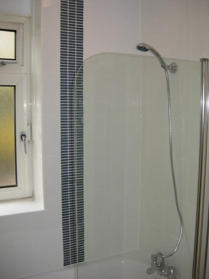This simple glass mosaic column adds a simple style statement. http://www.ppmsltd.co.uk