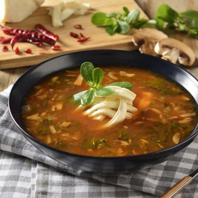 Sopa de Hongos con Verdolagas