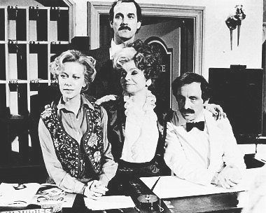 FAWLTY TOWERS POSTER 24X36 INCHES  JOHN CLEESE CONNIE BOOTH 61X90 CM 34.99