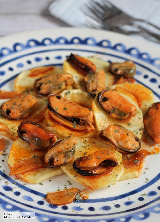 Las mejores recetas para cocinar con mejillones y sacarles todo el partido. Con fotos y explicaciones de las recetas para hacerlos a la marinera, p...