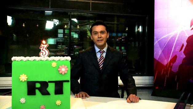 Este 28 de diciembre la cadena 'RT en español' cumple tres años en antena a nivel internacional. ´RT en español´ empezó a transmitir su señal en diciembre del año 2009, convirtiéndose a partir de ese momento en el primer canal de televisión ruso que realiza una emisión en español para todo el mundo.