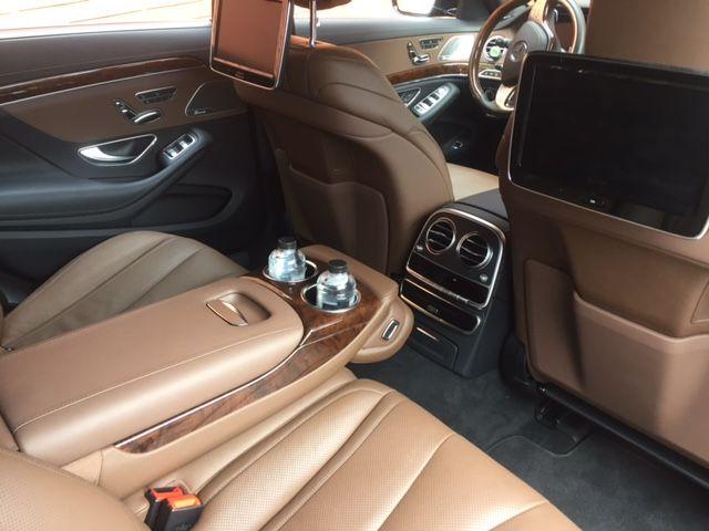 Fantásticos acabados en el interior del Mercedes Clase S Premium para todos nuestros clientes.