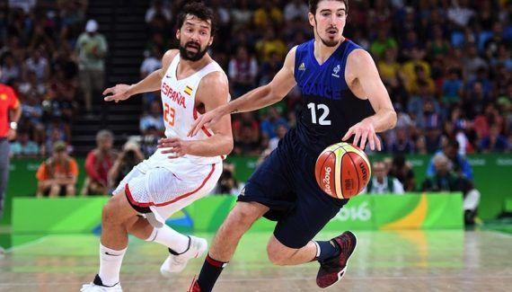 Présent au prochain Eurobasket, Nando de Colo défend Evan Fournier -  Vincent Collet peut souffler, l'un de ses cadres sera bel et bien présent à l'Eurobasket, qui débutera le 31 août prochain en Finlande pour la France. Il s'agit de Nando… Lire la suite»  http://www.basketusa.com/wp-content/uploads/2017/04/nando-de-colo-570x325.jpg - Par http://www.78682homes.com/present-au-prochain-eurobasket-nando-de-colo-def