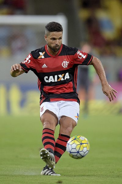 Diego of Flamengo in action during the match between Flamengo and Coritiba as part of Brasileirao Series A 2016 at Maracana stadium on November 20, 2016 in Rio de Janeiro, Brazil.
