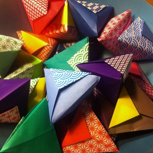 Origami wedding favor boxes!! Perfect for the Japanese influence in Hawaii!!