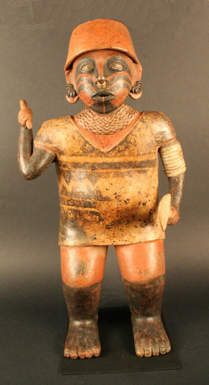 Cultura Nayarit Figura antropomorfa masculina – Cerámica Periodo: 200 a.C. - 500…