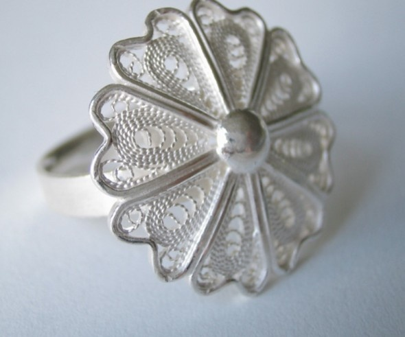 Simple silver filigree ring