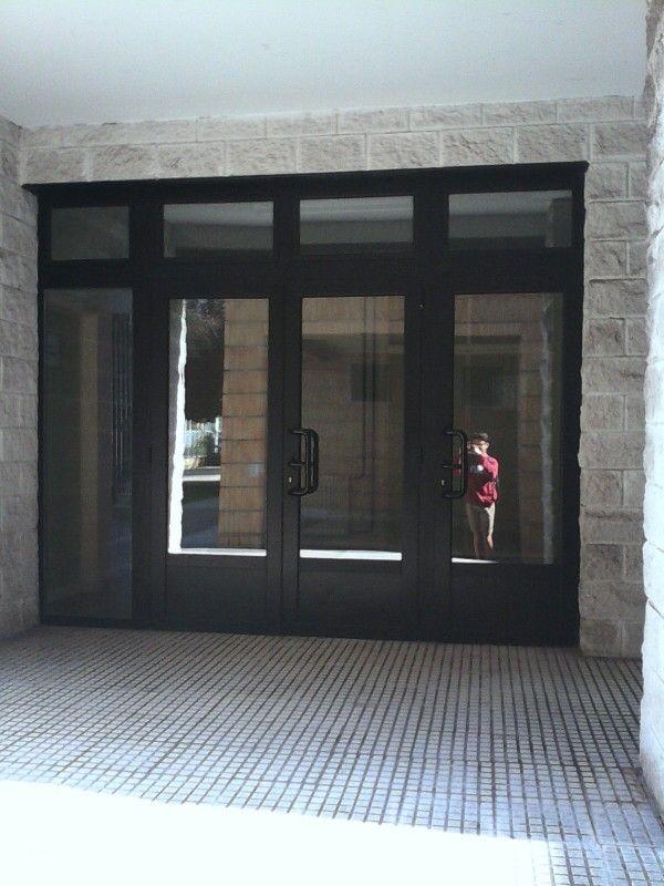 entrada izquierda casa blanca
