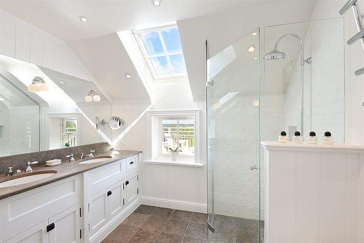 Badrum badrum klassiskt : Tidstypiskt badrum, klassiskt kakel och kalksten | Building ...