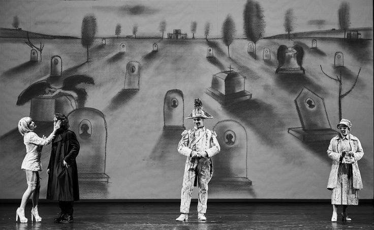"""E' andato in scena il 20 e il 21 Maggio al teatro Eliseo di Roma lo spettacolo teatrale """"Corti ma Lirici"""" con i costumi realizzati anche qu"""