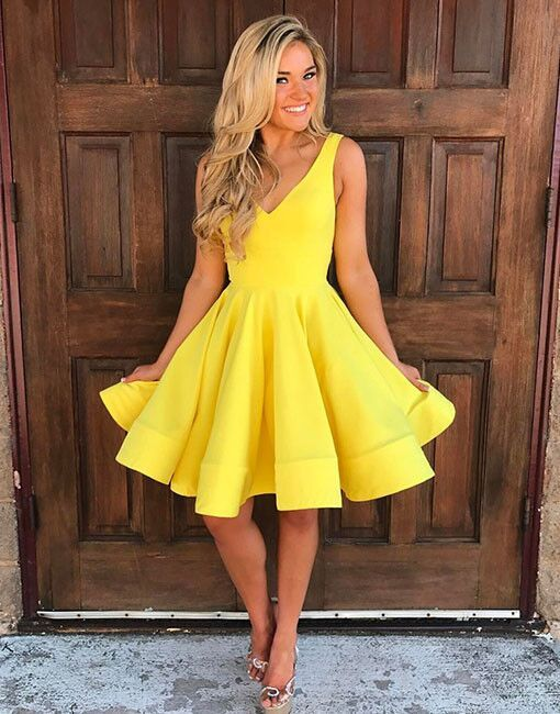 Cute V Neck Yellow Homecoming Dresses,Sleeveless Short Prom Dresses,Party Dresses