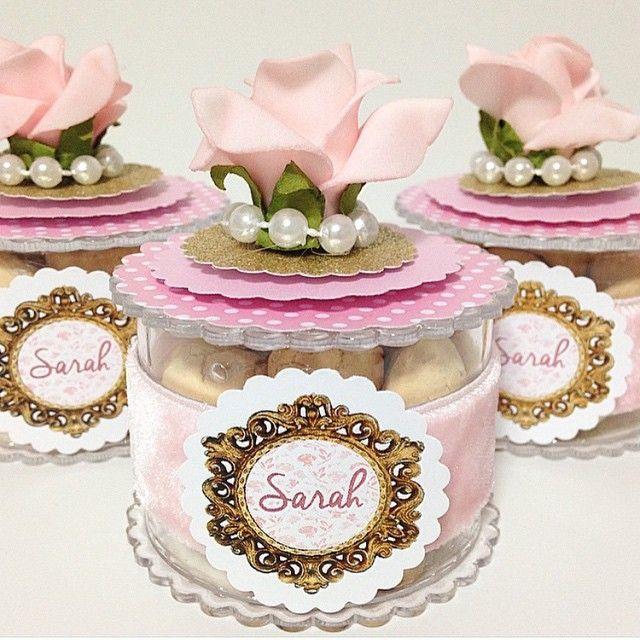 Caixinhas redondas com babado em acrílico, mini flor em Eva ou papel, meia…