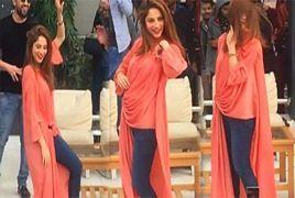 Neelam Munir Dance On Mahi Ve In University – Pakistani Dramas | Hum Tv Dramas | Ary Digital Dramas | Dramas Online