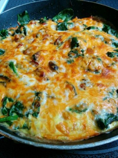 Rustic Farmers Omelet (THM S) Loaded with veggies, protein, greens, and cheese, yum! http://chrissybenoitinlove.com/index.php/2016/05/24/rustic-farmers-omelet-thm-s/