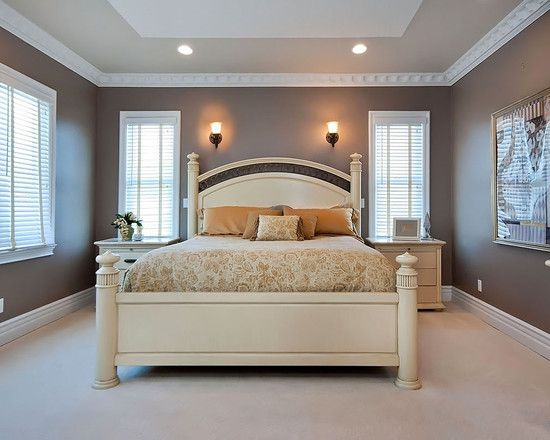 love the dark/light paint combo, and gorgeous crown molding