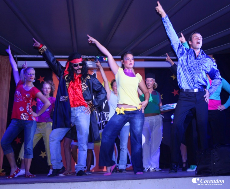 Het animatieteam van Golden Club Cabanas verzorgt zowel overdag als 's avonds een gevarieerd programma.