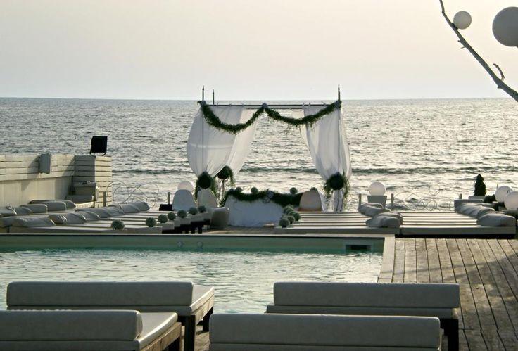 Location Matrimonio Spiaggia Napoli : Matrimonio in spiaggia altare ammot