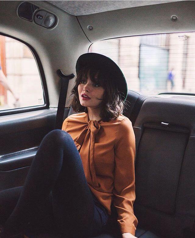 Genial la combinación de peinado y sombrero :)  #sombrero #elegant #casual