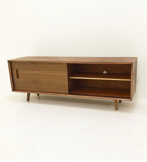 Low Profile Walnut Credenza van CaliforniaMWoodworks op Etsy