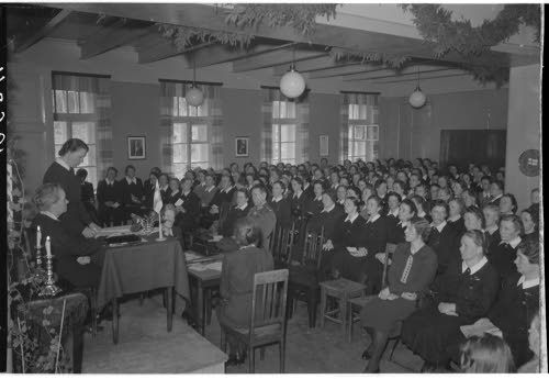 Suomen Sotilaskotiliiton suuri kokous,  KTR 3 kasarmi, Riihimäki 17.4.1943. SA-kuva-arkisto.