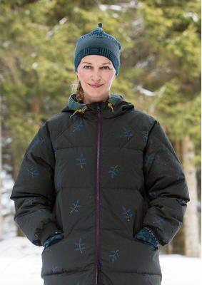 """Gudrun Sjödens Winterkollektion 2015 - Mit unserem herrlichen Muster """"Meadow"""" ist die fröhliche, unkonventionelle Mütze mit spitz zulaufendem Abschluss definitiv ein Hingucker. Bestelle jetzt die """"Meadow"""" Mütze: http://www.gudrunsjoeden.de/mode/produkte/accessoires/muetze-meadow-aus-oeko-baumwolle/wolle"""