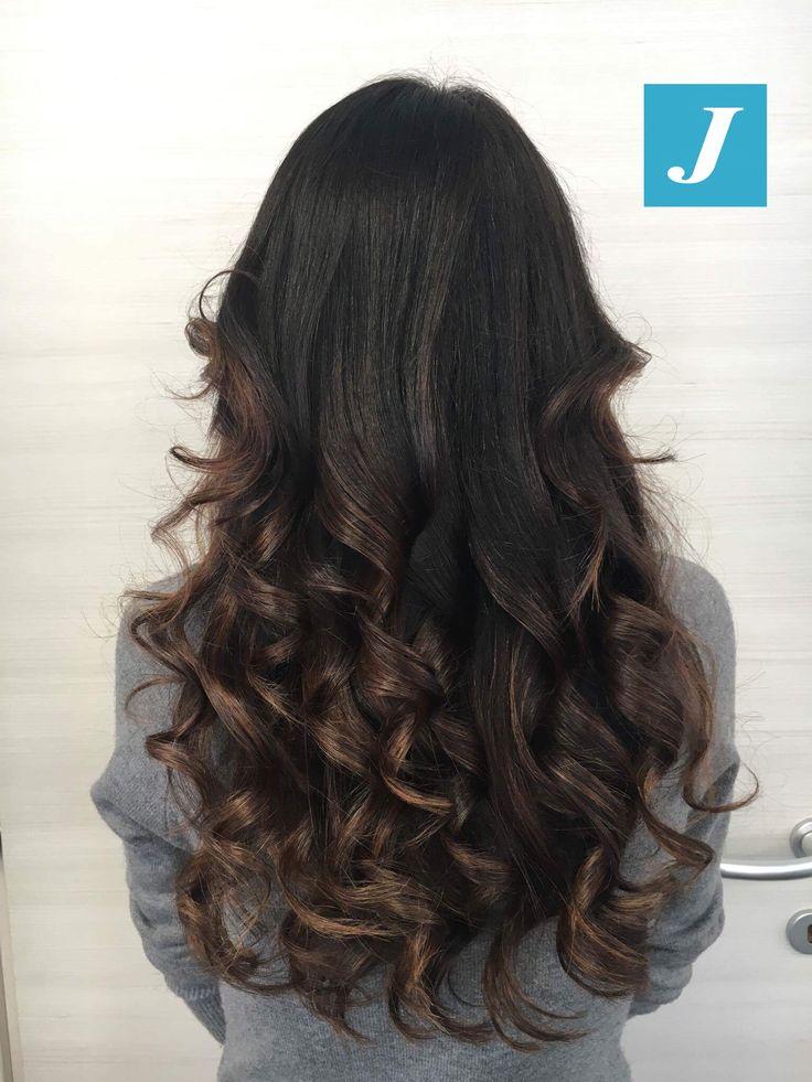 Illumina il tuo colore naturale con il Degradé Joelle! #cdj #degradejoelle #tagliopuntearia #degradé #igers #musthave #hair #hairstyle #haircolour #longhair #ootd #hairfashion #madeinitaly #wellastudionyc