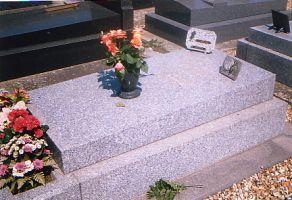 Bourvil, cimetière de Montainville
