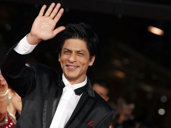 Shah Rukh Khan has sent a special sandesh to the Indian soldiers this Diwali, in the form of a sweet poem...
