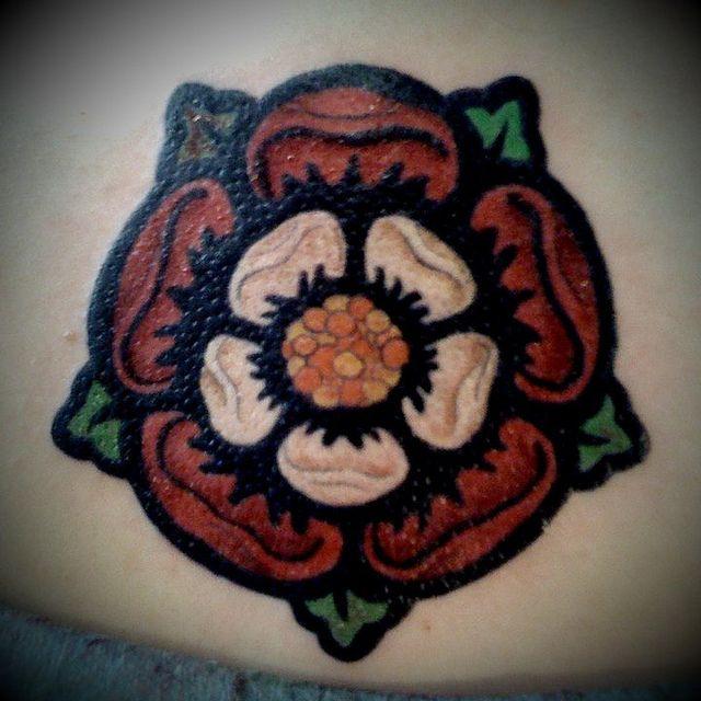 Tudor rose: Rose Calf, Tat Ideas, Tudor Rose Tattoos, Calf Tattoo, Letterpresses Invitations, Rose Tudor, Roses, Tattoo'S
