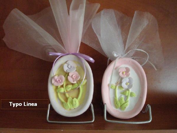 Οβάλ καδράκι με λουλούδια μαργαρίτες μπομπονιέρα βάπτισης οικονομική