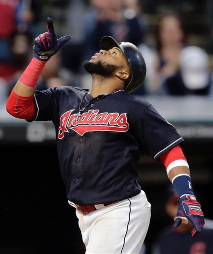 Carlos Santana belts two home runs to help the #Indians top the Cincinnati Reds 6-2 to extend the win streak to 4 games #WINdians