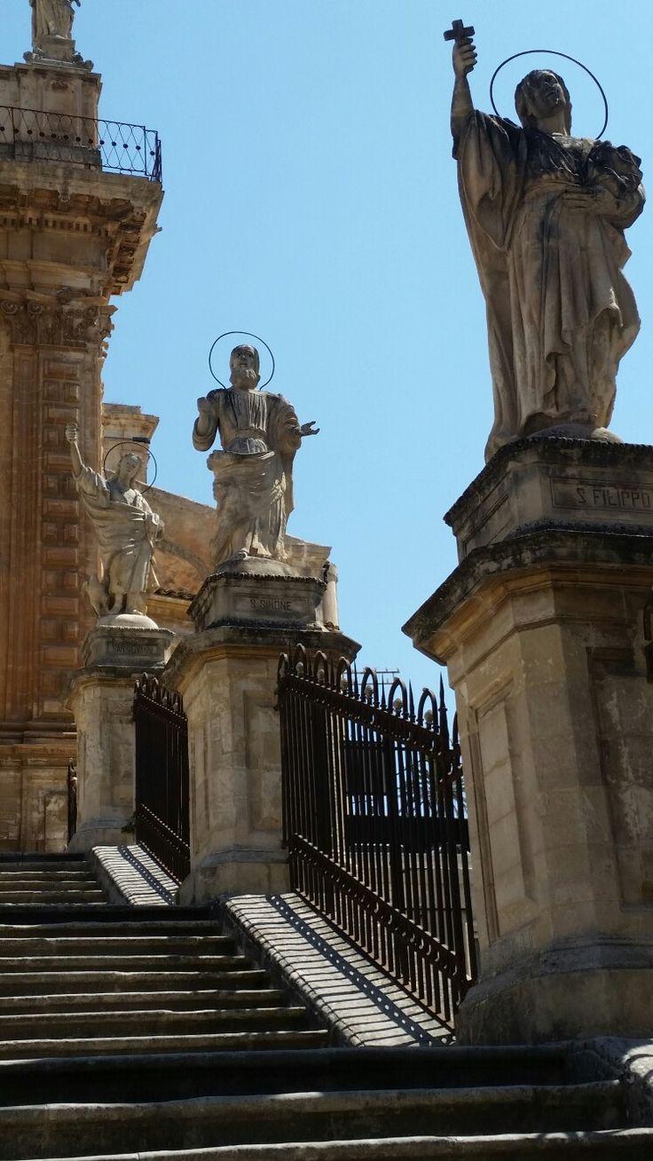 Duomo particolare scalinata - Modica