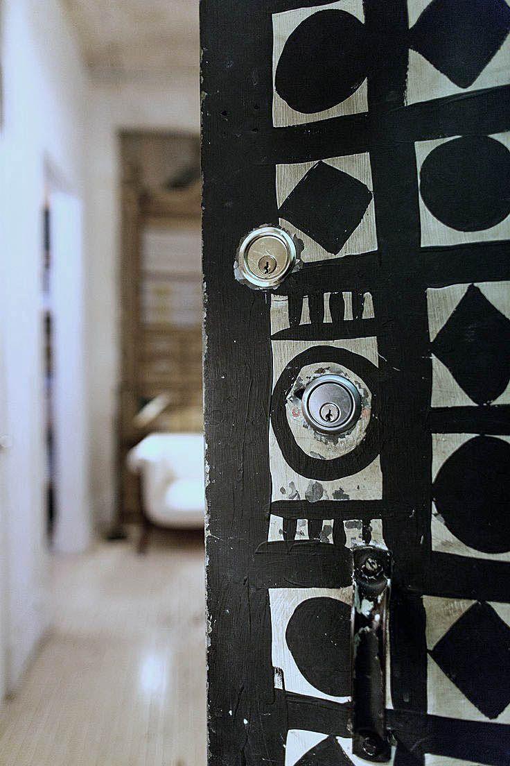 Déco porte motifs noirs et blancs, Ethnic chic