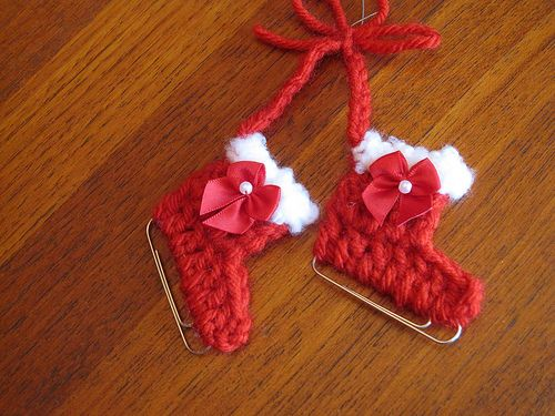Paperclip Iceskates by Ethbay via Ravelry ~ free crochet pattern