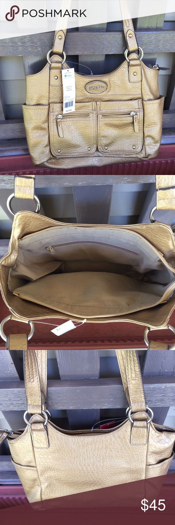 ❗️Last 1❗️Rosetti Gold Shoulder Bag Handbag Purse Brand new with tags. Bundle and save5%! ❌Price is firm unless bundled❌ Rosetti Bags Shoulder Bags