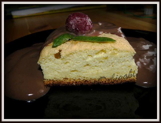 Vegyes saláta: Csokiöntetes piskóta