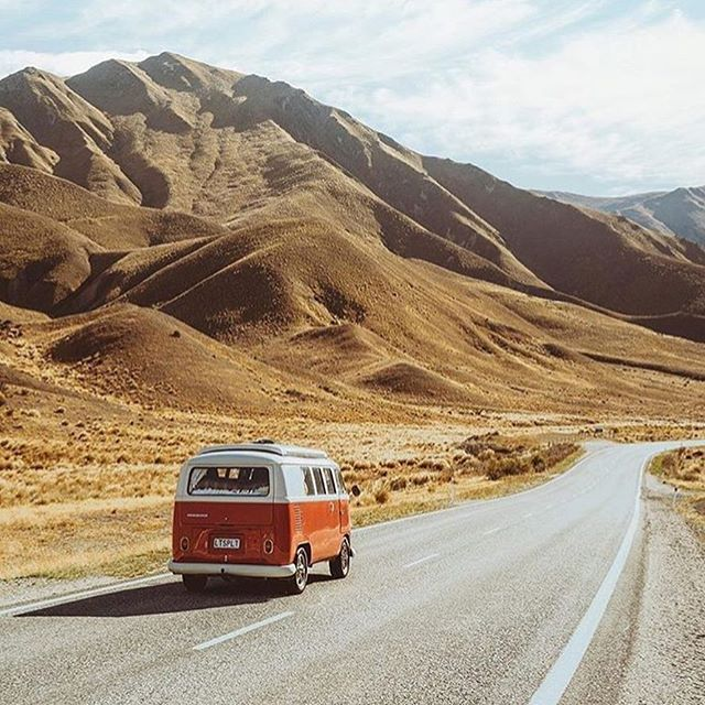 Road trip! 🚌 Photo by @jasoncharleshill  #projectvanlife